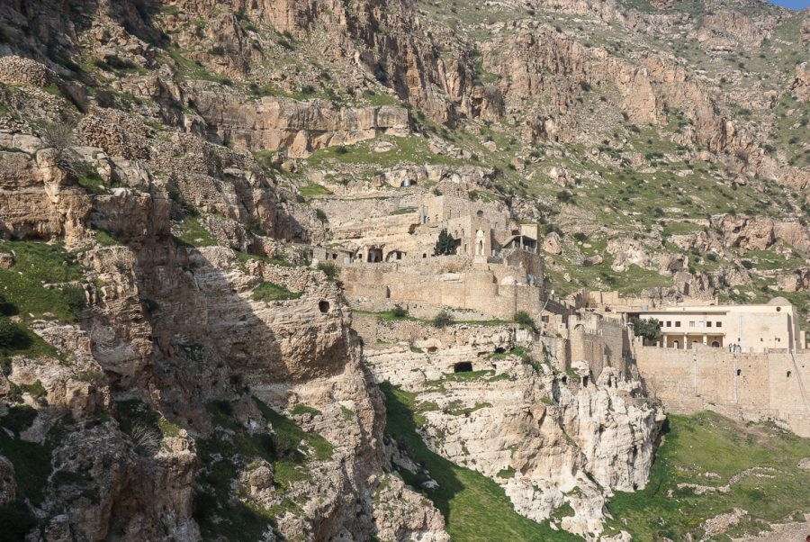https://www.mesopotamiaheritage.org/wp-content/uploads/2018/02/Le-monastère-de-Rabban-Hormizd-A1-900x602.jpg