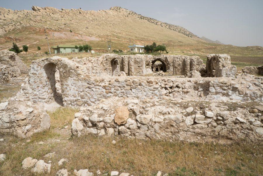 https://www.mesopotamiaheritage.org/wp-content/uploads/2018/10/A1-Le-site-archeologique-de-Bazyan-900x602.jpg