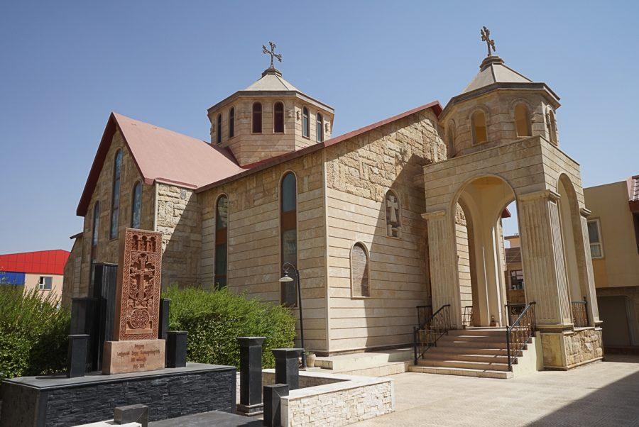https://www.mesopotamiaheritage.org/wp-content/uploads/2019/02/A1.Église-arménienne-Saint-Nersès-Chenorhali-de-Dehok-900x602.jpg