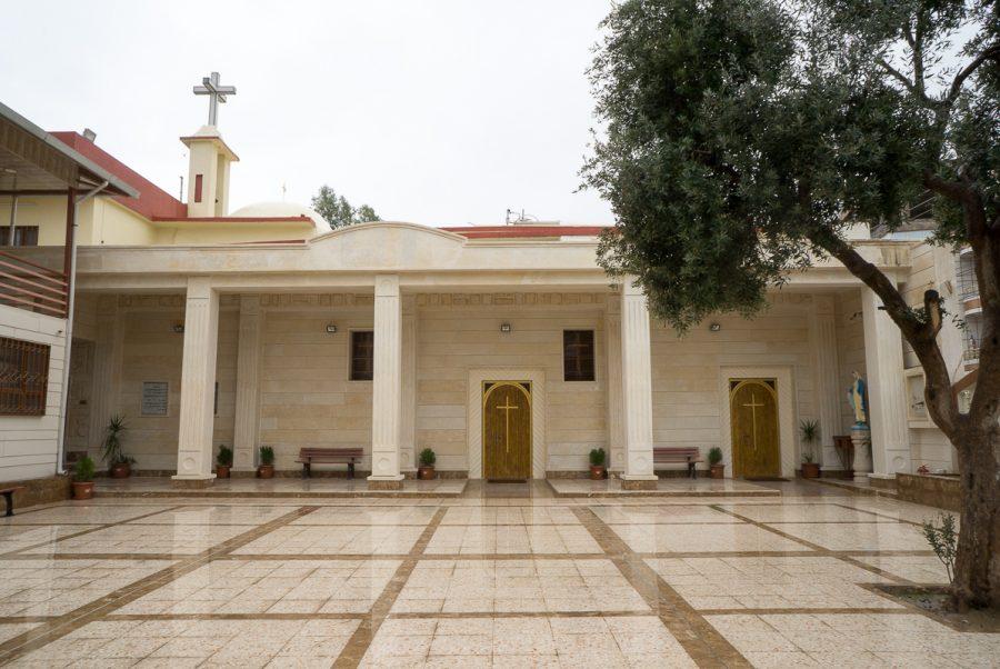 https://www.mesopotamiaheritage.org/wp-content/uploads/2019/03/A1.-Église-syriaque-catholique-Mariam-al-Adra-de-Zakho-900x602.jpg